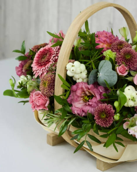 Garden Trug - This arrangement is designed with selected stems of pretty pink flowers including roses and lisianthus with garden style foliage and berries for that Autumnal feel - Flowers in Newbury by Willow & Blooms