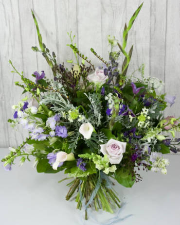 Wild and Wonderful selection - A statement hand-tie encompassing the latest trend of naturalised flowers in muted tones. Our design incorporates a stunning mix of traditional, modern and interesting flowers and foliages - Flowers in Newbury by Willow & Blooms